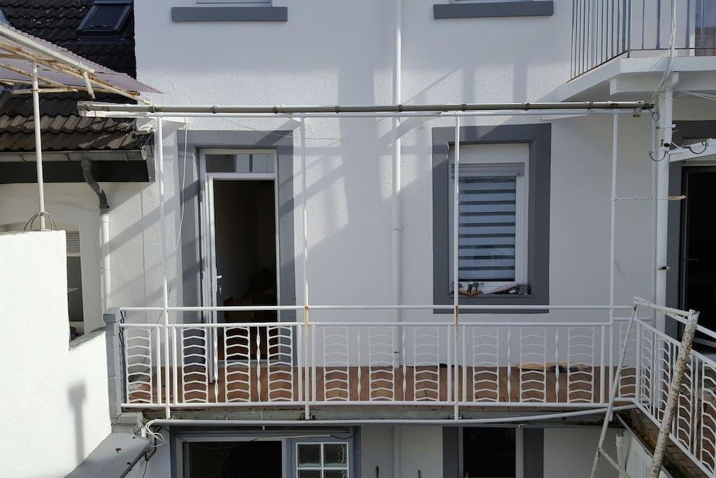 Separater Eingang aus dem Treppenhaus