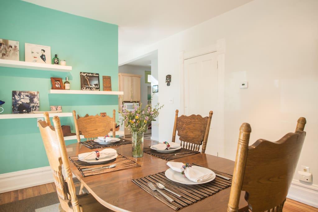 Open floorplan dining room.