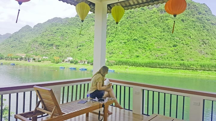 Beautiful Riverside - Double room with Balcony