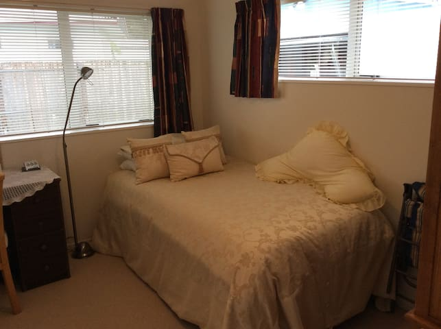 Kaikohe BnB - King Single Bed - Kaikohe - Penzion (B&B)