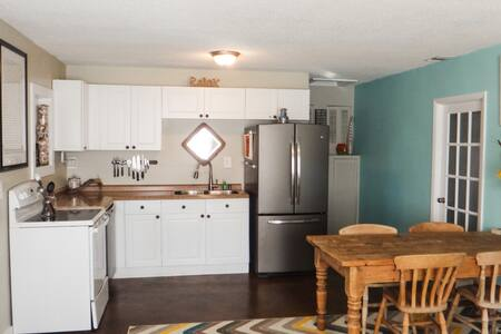 Kiska Cottage-Short walk to beach includes 2 bikes - Panama City Beach