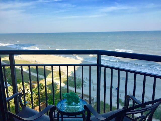 Stunning Direct Oceanfront Private 1 bedroom/Relax