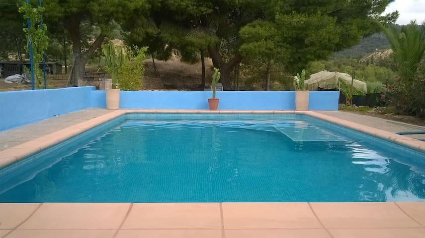 chalet de planta baja de 120 M2 -piscina privada