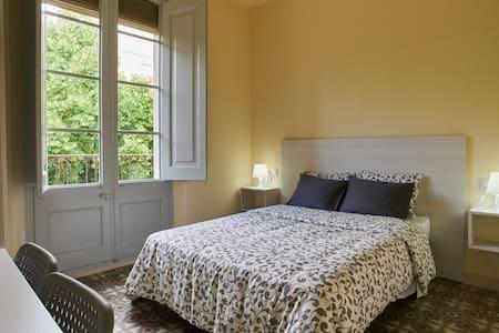 Room /studio in Vilafranca.