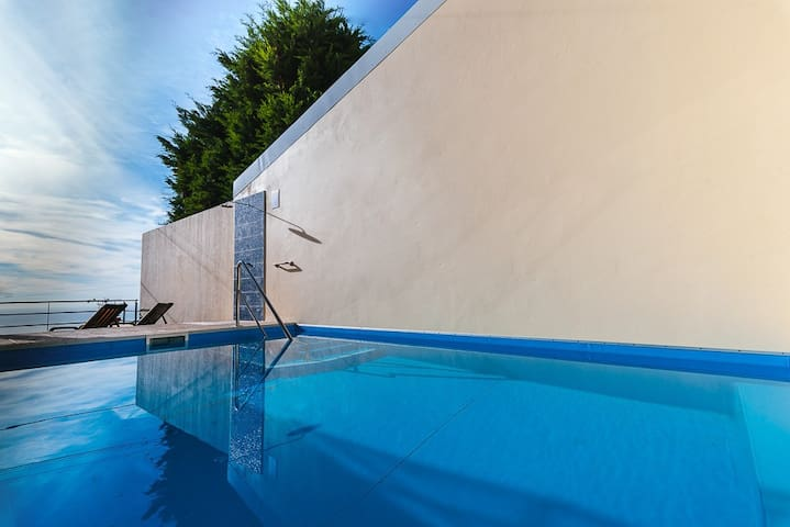 Apartment Calheta with Pool