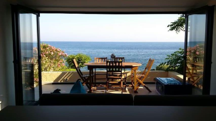 Luxury villa, waterfront - Lumio - Villa