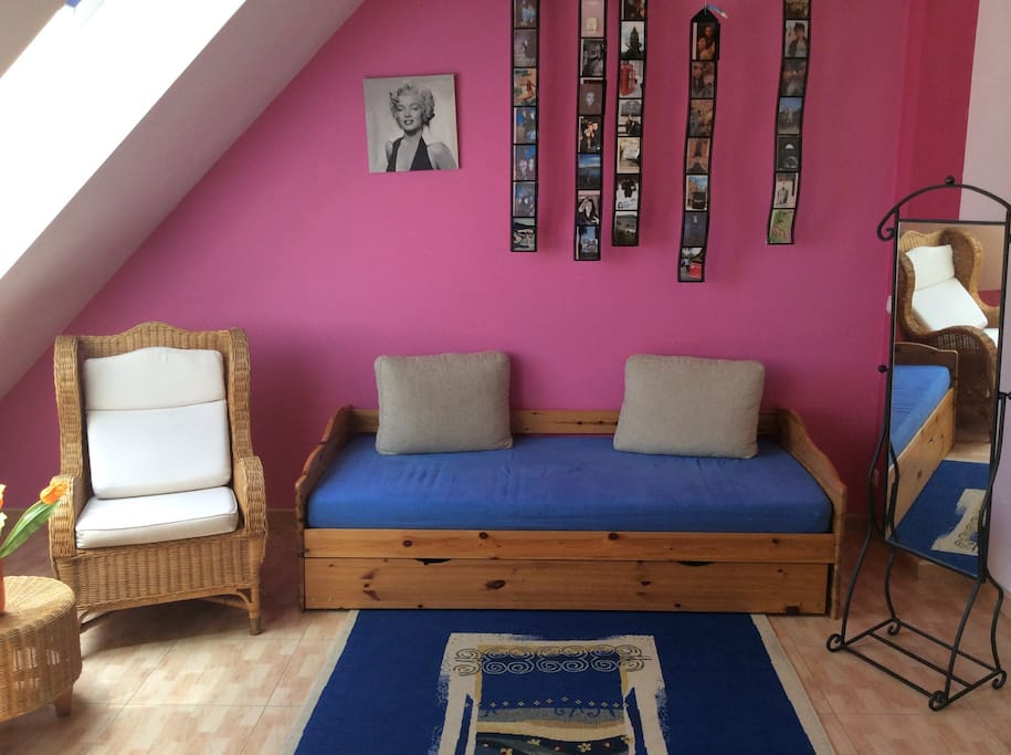 sch ne 2 zimmer f r messebesucher townhouses in affitto a norimberga baviera germania. Black Bedroom Furniture Sets. Home Design Ideas