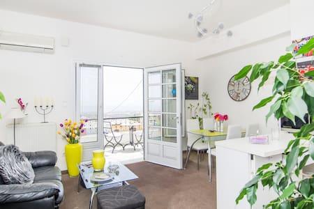 Casa Anna ,center of Fira,ocean views,balcony. - Santorini - Hus