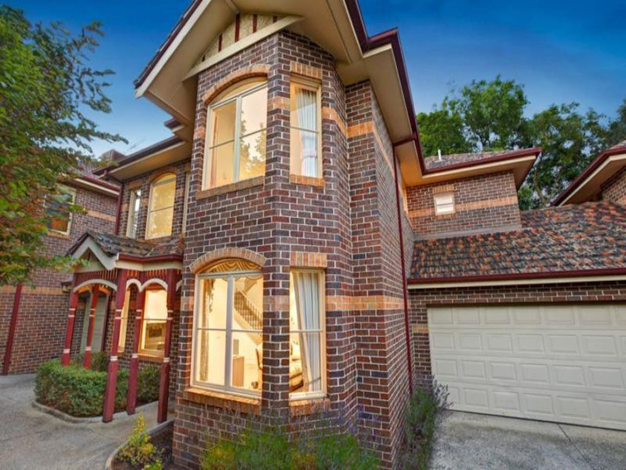Room for rent, townhouse in Kew