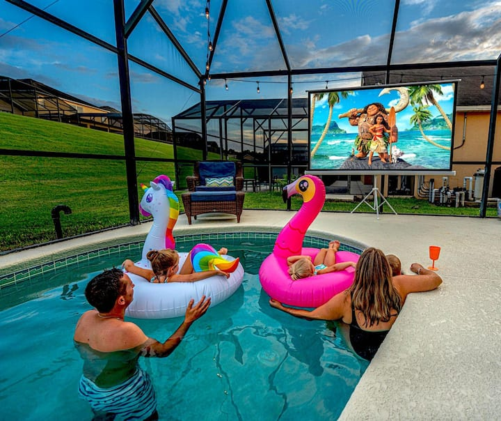 Mad Men Magic Kingdom House**OUTDOOR MOVIE EXPERIENCE*FREE Heated Pool&Spa&Grill*6mi2Disney*WORK SPACE
