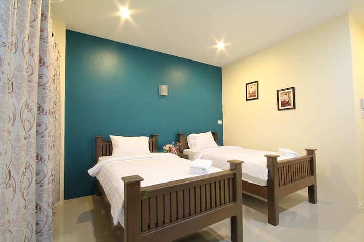 Twin Bed, Blue House, Sukhothai - ตำบล ธานี - Pension