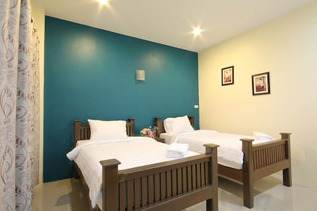 Twin Bed, Blue House, Sukhothai - ตำบล ธานี