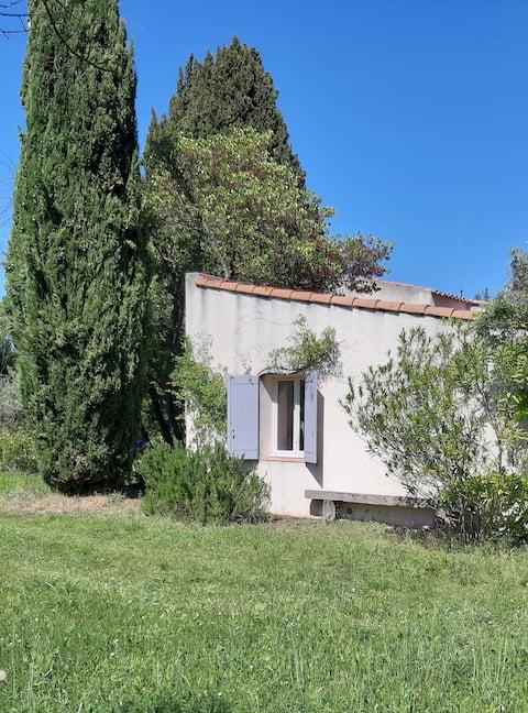 Студия в окружении оливковых деревьев в сельской местности Экса