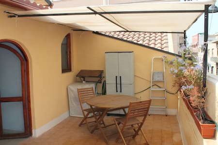 Two rooms apartment with terrace - Κάλιαρι - Διαμέρισμα