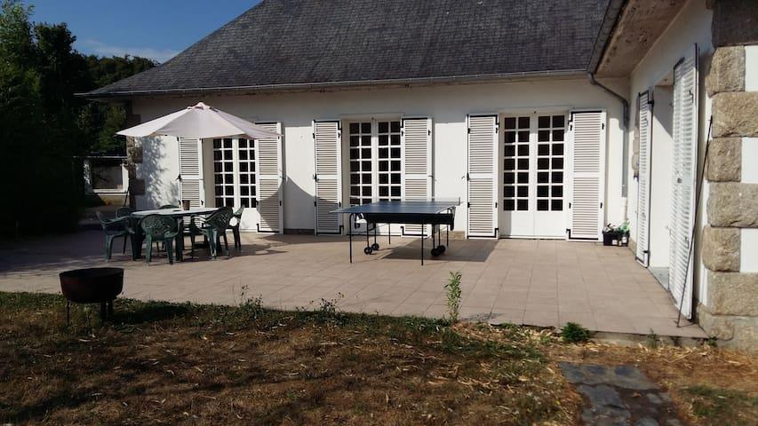 Maison spacieuse et accueillante proche centre - Laval - Villa