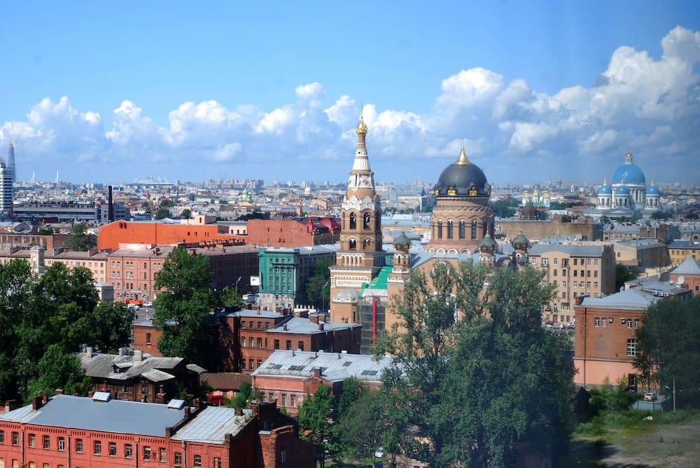 Вид из окна. С высоты 14 этажа открывается вид на Юго-запад города.