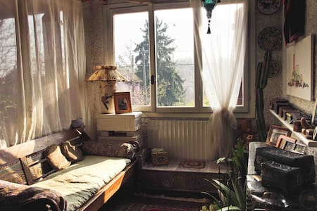 Picturesque 70's Italian cottage - Varese - Bed & Breakfast