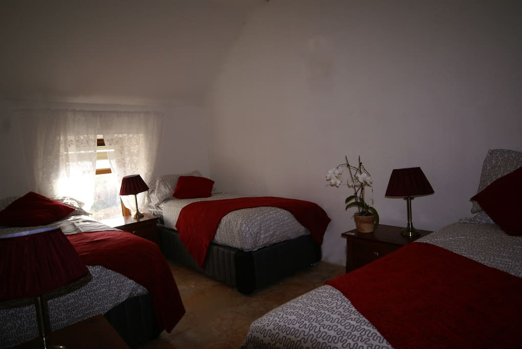 Lovely cosy 3 bed room to relax in
