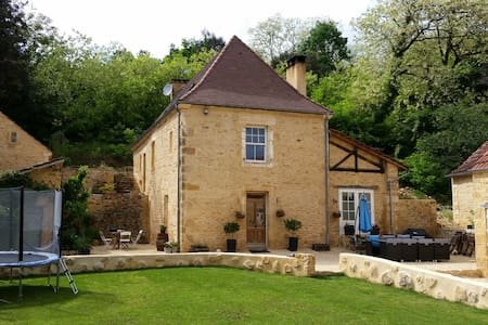 Beautiful stone 4 bed property & pool near Sarlat - Prats-de-Carlux - Haus