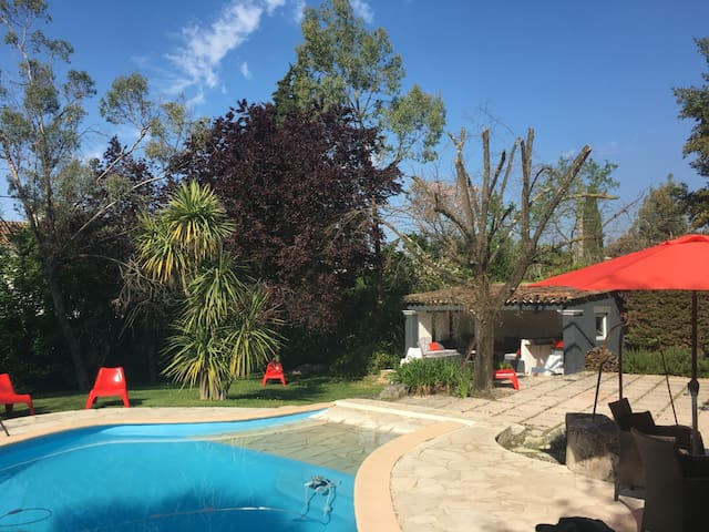 Nice provençal COTTAGE in Mougins 10mn from Cannes - Mougins - House