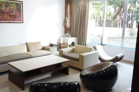 Luxury 2 BD apartment with Parking - Mumbai - Lakás