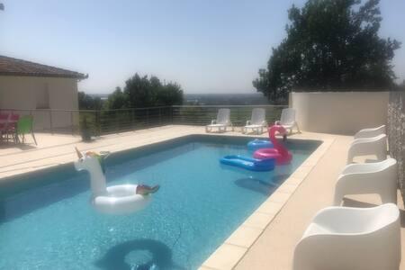 Villa au calme, Piscine au sel  & Vue imprenable