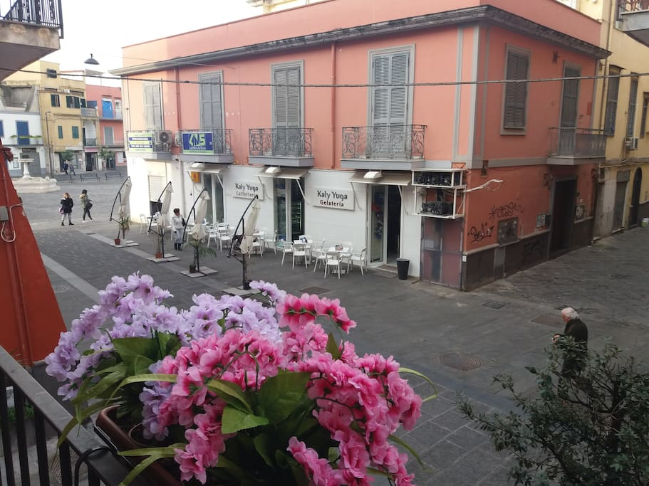 Vista dal balcone di  piazza della Repubblica