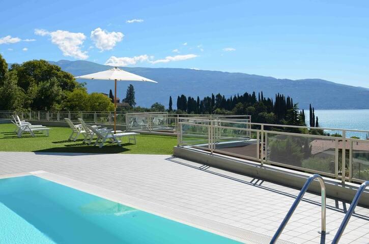 Appartamento con Giardino in Residence con Piscina - Toscolano Maderno