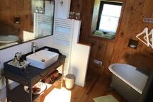 La salle de bain au 1 er étage