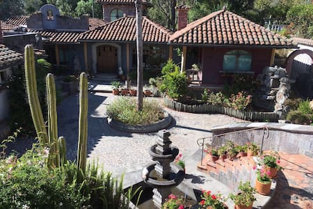 Organic Bed&Breakfast - Ranch House Tumbaco, Quito