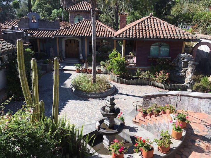 Organic Bed&Breakfast - Ranch House Tumbaco, Quito