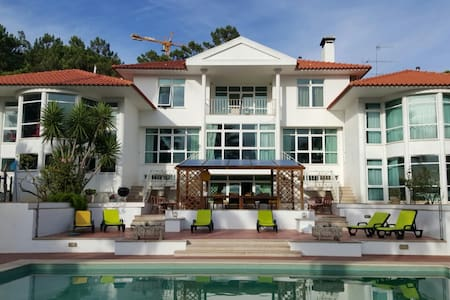 300 m2 of space and Lagoon Views - Vila