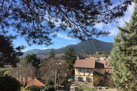 BALCONY TO MOUNTAINS, AC, 3 ROOMS - Cercedilla - House