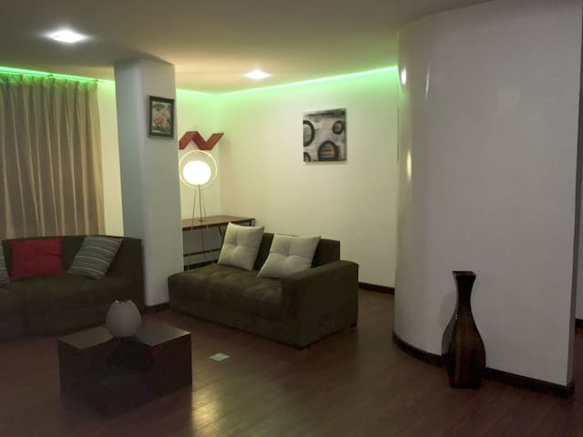 Modern 2b apartment, secure and well located - Loja - Apartment