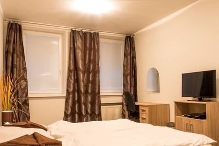 Cozy guesthouse - Smolenice - Bed & Breakfast