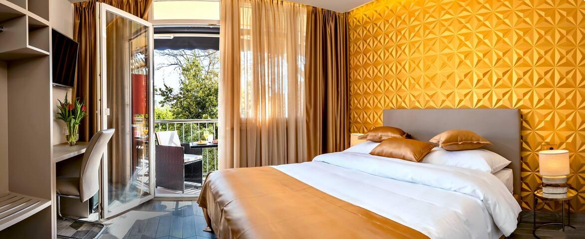 Il Giardino Luxury Rooms & Suites - Gold Room