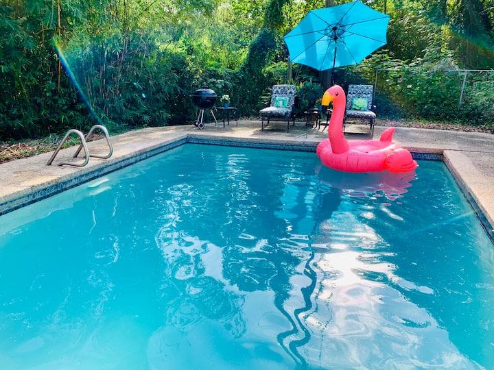 casa del centro de la ciudad con piscina!