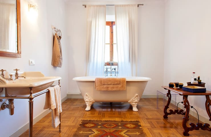 Stylish stay with cool Ducks - Valldemossa - Bed & Breakfast