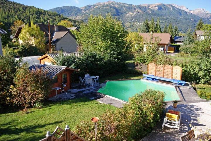 House 4 *, 6 - 10 pers. close ski resorts