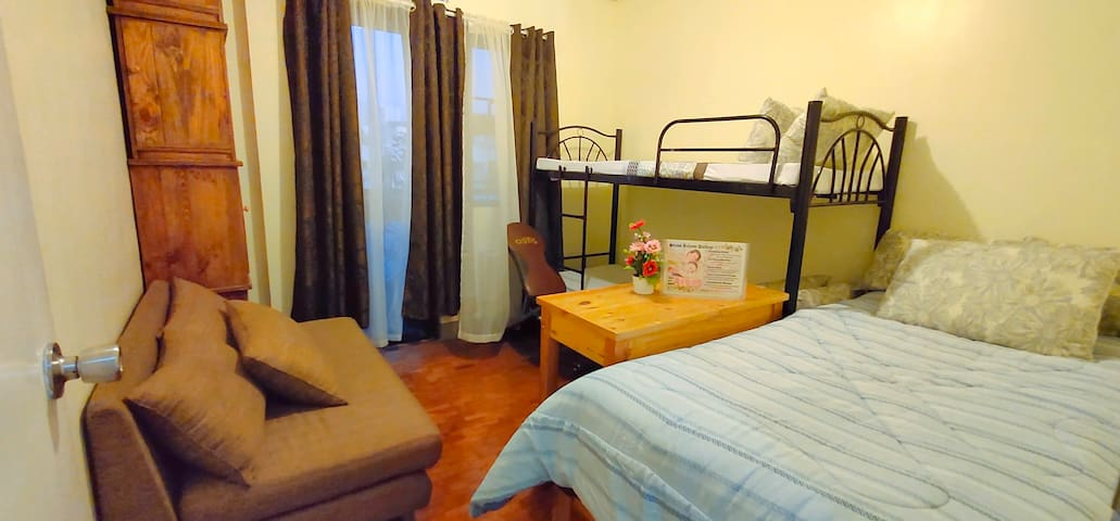 Private Room for 3 in Quezon City near ABS & GMA
