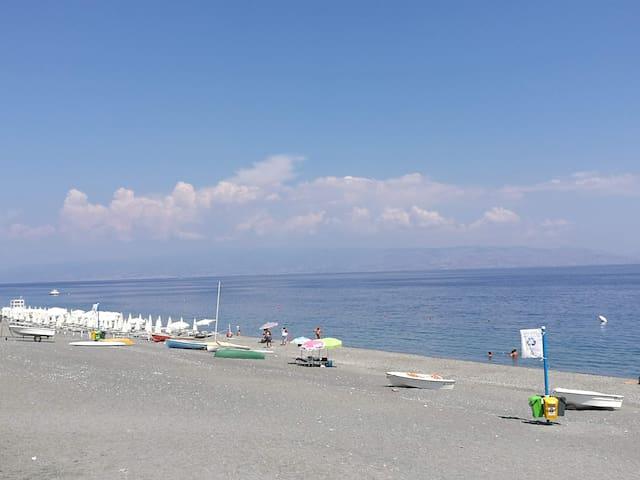 Spiaggia- Roccalumera