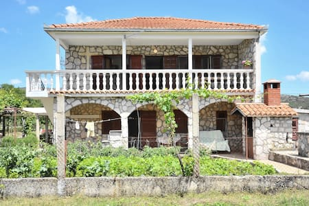 Charming house in beautiful nature - Liska - Departamento