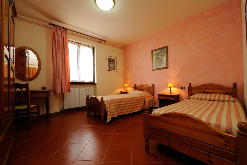 Agriturismo Il Boschetto - Bedroom - Two single bed