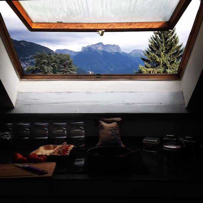 appartement atypique c t lac appartements louer s vrier auvergne rh ne alpes france. Black Bedroom Furniture Sets. Home Design Ideas
