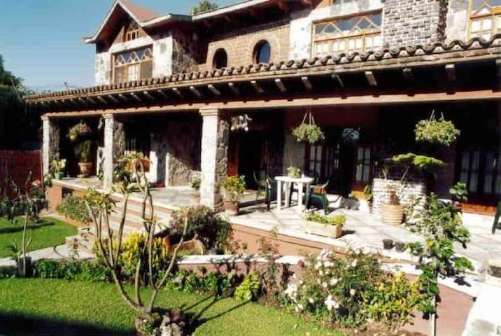 Mexican Colonial Style - Cuernavaca - Haus