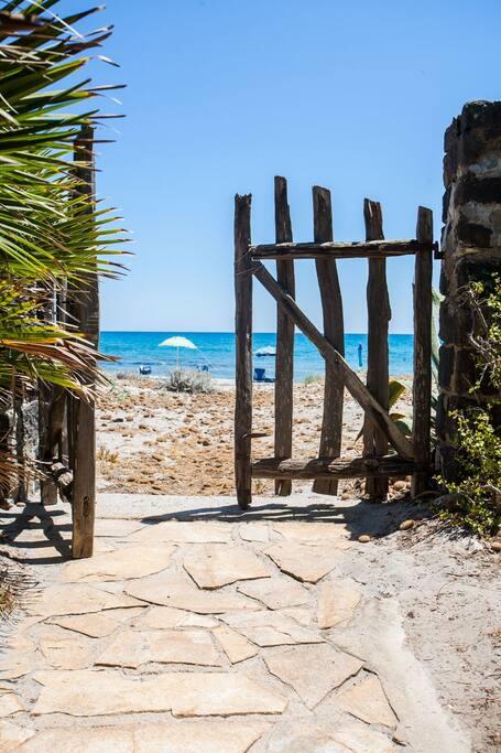 Villa Cornelio Sulla Spiaggia A Un Passo Dal Mare