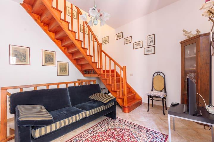 Appartamento indipendente al centro - Trapani - House
