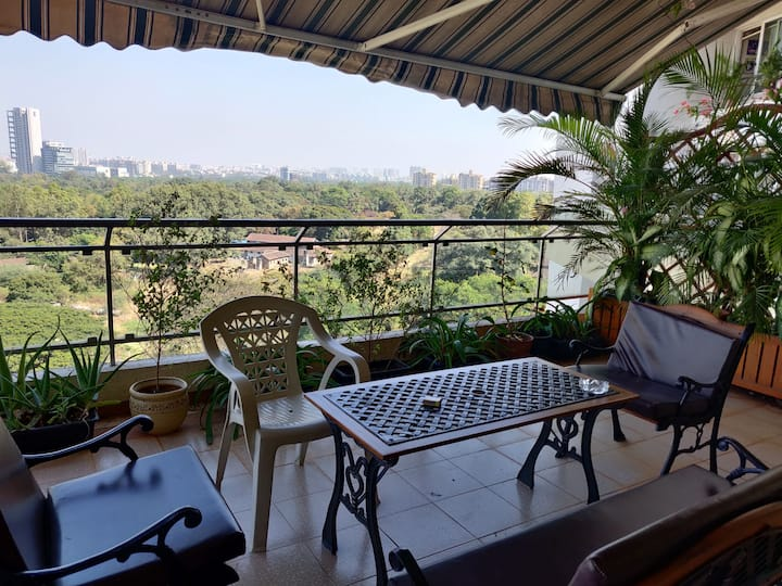 Private room in a 4bhk in Koregaon Park