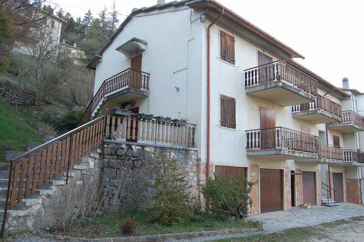 Appartamento con giardino a 1.108mt - Bosco Chiesanuova - Pis