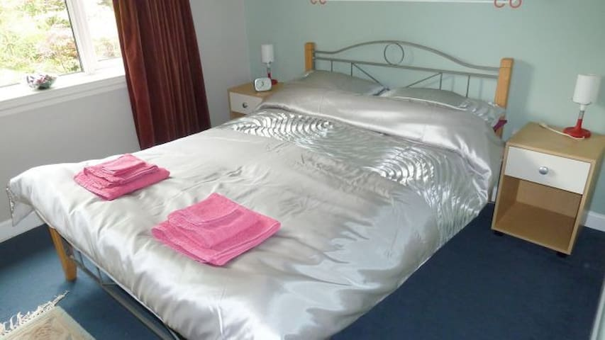 Whispers Holiday Apartment - Ponsanooth,  Nr. Truro - Apartamento